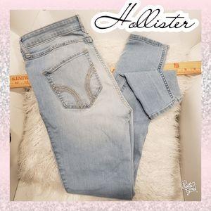 26 Hollister 3 skinny jean high rise light